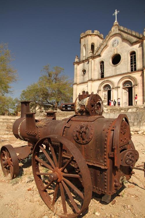 BAROMA - exterior da igreja