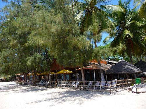 PEMBA - restaurante na praia do Wimbe