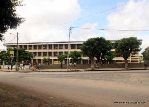 NAMPULA - escola secundaria e antigo Liceu
