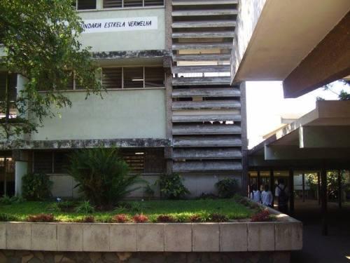 MAPUTO - antiga escola Joaquim Araújo, atual Estrela Vermelha