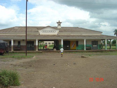 MOAMBA - estação dos caminhos de ferro