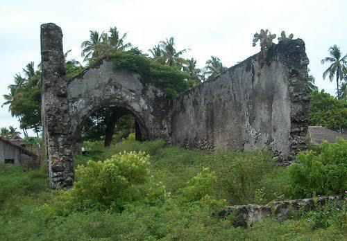 QUIRIMBA - Ruínas Igreja N. Senhora do Rosário