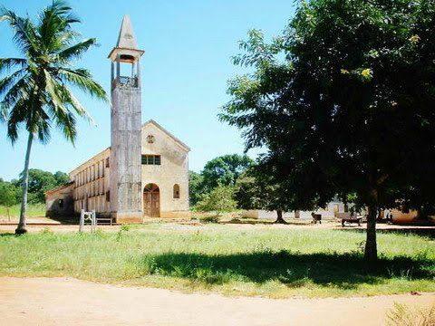 MACOMIA - igreja
