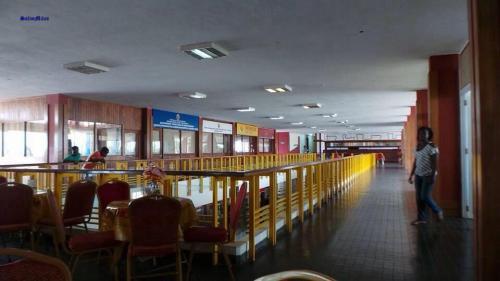 NAMPULA - interior do aeroporto