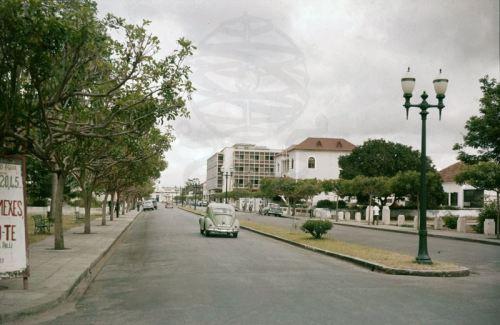 QUELIMANE -  uma rua nos anos 60