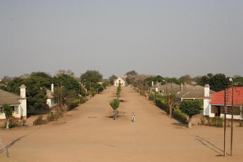 CHICUALACUALA ex MALVERNIA - vista da localidade que fica junto á fronteira com o Zimbábue