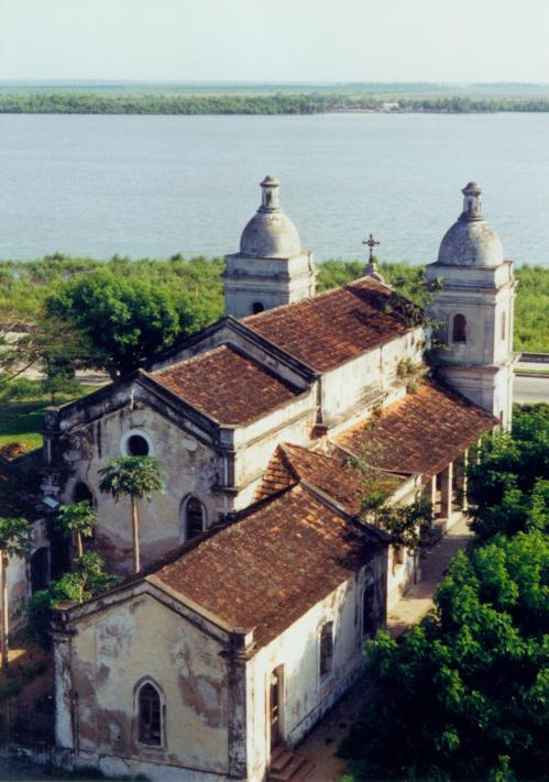 QUELIMANE - antiga catedral da cidade