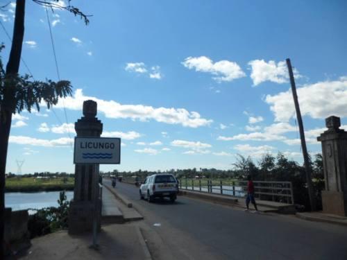MOCUBA - ponte sobre o rio Licungo