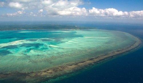 NUARRO - vista aérea desta zona costeira na província de Nampula