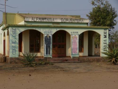 MOAMBA - casa comerccial