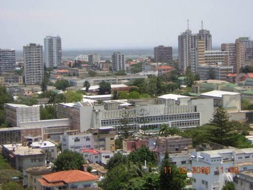 MAPUTO - vista do hospital central da cidade