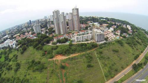 MAPUTO - vista das torres vermelhas