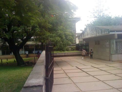 MAPUTO - Interior da ex escola Joaquim Araújo