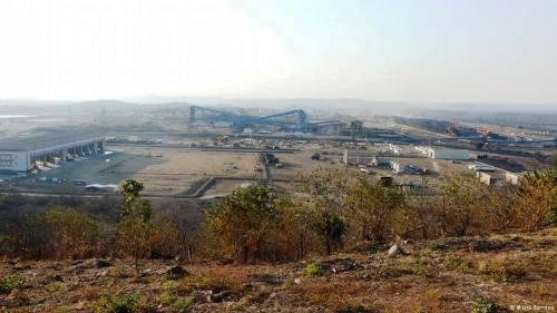 MOATIZE - vista da mina de carvão
