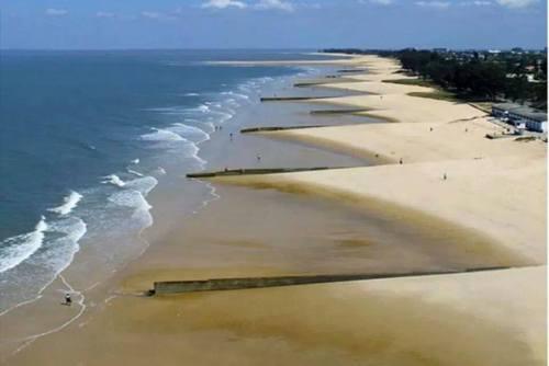 BEIRA - praia na zona do Macúti