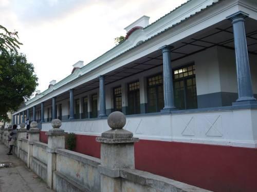 QUELIMANE - antiga escola primária