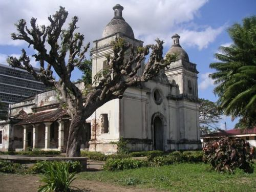 QUELIMANE - ruinas da catedral